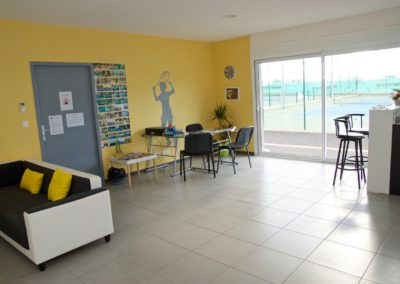 club-house-saint-thibery-tennis-la-viere